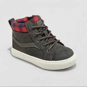 NWT Toddler Boys OshKosh Casual Mid Top Sneakers